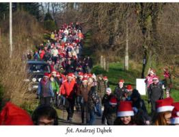 Niesamowite mikołajkowe Nordic Walking w Obliwicach. Czy jest jeszcze ktos kto nie wierzy w swietego Mikołaja.jpg