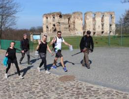 ruiny zamku w Bodzentynie.jpg
